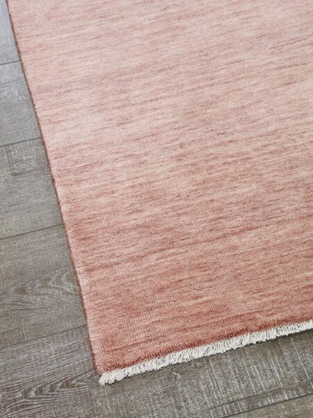 Diva handmade rug in blush pink