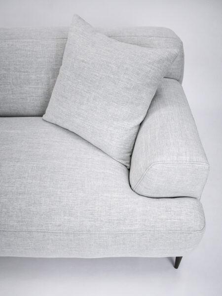 Alexis Sofa Fog grey - cushion detail