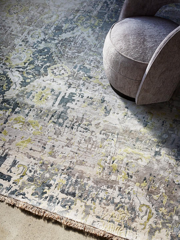 Edinburgh Grey/Green luxury handknot rug made in wool and artsilk