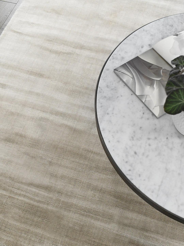 Glitz rug in natural linen beige colour