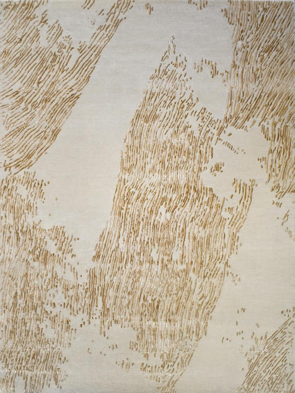 Serenity Sandstone rug handtufted in wool and artsilk. Organic lines design in beige and gold.
